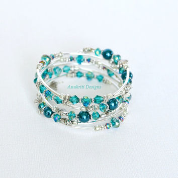 Teal Beaded Memory Wire Bracelet ** Free shipping within US ** Wrap bracelet, Crystal bracelet