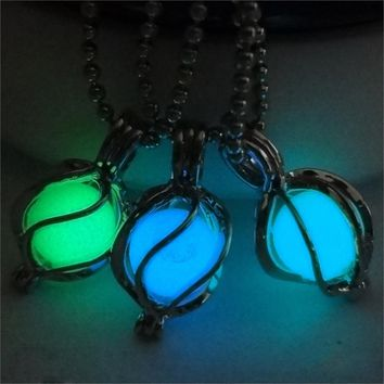 2017 Fashion Luminous Glowing in Dark Pendant Necklace Vintage Style Silver Color Chain Maxi Choker Necklace Collares For Women