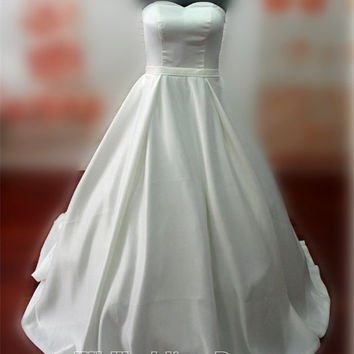 Real Samples Vintage Princess Wedding Dress A-line Taffeta Pick-up Skirt Bridal Gown Custom Made Wedding Gown