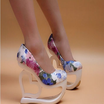 Best Selling Super High Heel 15cm Platform 7cm Lady Fashion Shoes Abnormal Heel Cut-Out PUmps F333