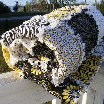 Throw/Lap Rag Quilt, Mellow Yellow,Patchwork Quilt, Black White Yellow Gray, Handmade 48 X 62, Ready To Ship, Modern, Fresh. Contemporary