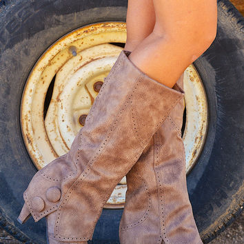 Weathering The Storm Boots - Taupe