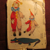 """Sale Complete 1950's McCall's Sewing Pattern, 1972! 27"""" Clown & 31"""" Alligator Pajama Bags/14"""" Stuffed Toy Clown/Arts and Crafts/Retro Toys"""