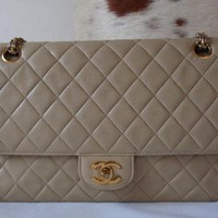 vintage authentic chanel beige lamb classic double flap bag 2.55