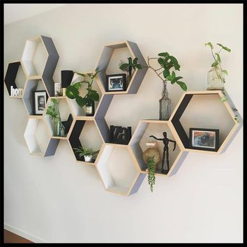 CREATIVE NORDIC STYLED WOOD SHELF WALL ACCENT