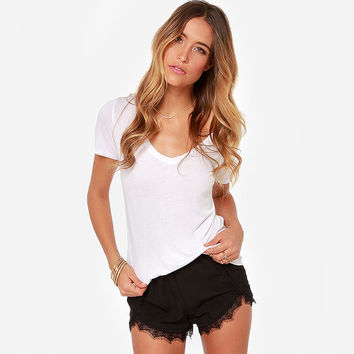 Casual Lace Edge Asymmetrical Shorts