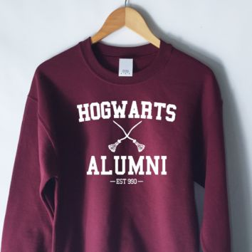 Harry Potter Hogwarts Alumni Sweatshirt in Maroon