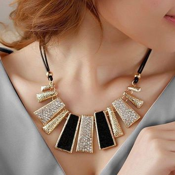 Fashion Women Jewelry Bib Chain Choker Chunky Crystal Statement Pendant Necklace
