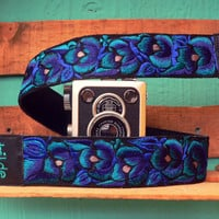 Leather camera strap with traditional Guatemalan embroidery - Enredadera (Vine) in turquoise, blue, grey - ENC3