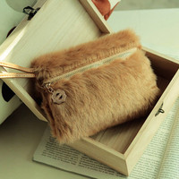 Easy to Carry Ladies Clutches Camel Wholesale : Wholesaleclothing4u.com