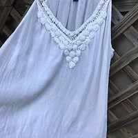CHAPS White Crochet Swing Top Sz L Petite Made India NEW