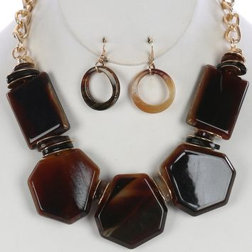 Turtoise Lucite Stone Chunky Bib Hammered  Chunky Chain  Necklace Earring Set