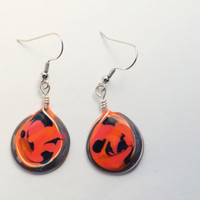 Dangle resin earring. Resin Jewelry. Silver Wire Jewelry. Orange and black earring. Halloween. Gifts for her. nickel free. handmade jewelry