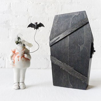 Batty Patty Phantom Quartz Doll w/ Black Stained Coffin