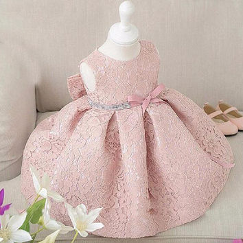 1 Sleeveless Princess Lace Dress