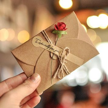 5pcs Vintage DIY Kraft Paper Invitation Greeting Card  Envelope Handmade Dry Flower Wedding Xmas Party Invitation Envelopes