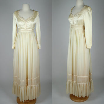 1970's Gunne Sax bohemian wedding dress w satin bust and floor length skirt lace accents long sleeves country prairie style small size 6