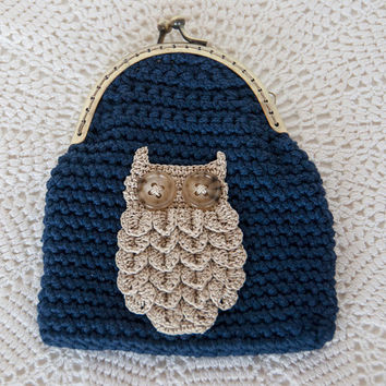 Crocheted Coin Purse, Navy Blue Yarn, Crocheted Owl Applique, Kisslock, makeup bag, wallet, stocking stuffer