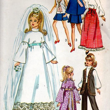 Simplicity Retro 70s Sewing Pattern Barbie Doll Wardrobe Clothes Wedding Dress Cape Gown 12 Inch Doll Midge Skipper Uncut