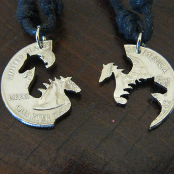 Interlocking Horses quarter coin por InterlockingQuarters en Etsy