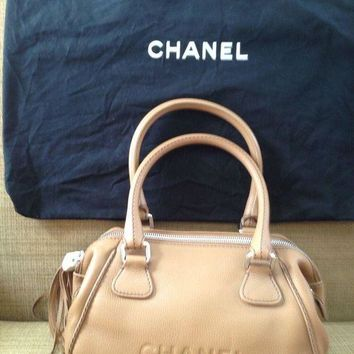 ONETOW NEW CHANEL BAG HANDBAG BEIGE CAMEL RUNWAY SAC LEATHER CHRISTMAS GIFT UNIQUE