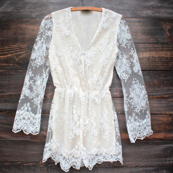 tea time lace romper in ivory + nude
