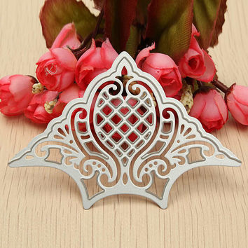Metal Cutting Dies Crown Scrapbooking DIY Craft Embossing Stencil Die Cutting For Etched Photo Decoration Paper Cards