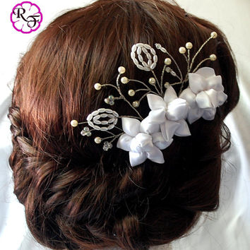 Bridal hair accessory ,white  flowers , Kanzashi flowers , wedding hair accessory , Alligator clip