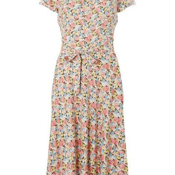 **Billie & Blossom Tall Pink Floral Print Skater Dress | Dorothyperkins