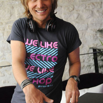 David Guetta Smile and Spin DJ Portrait Music Poster 11x17