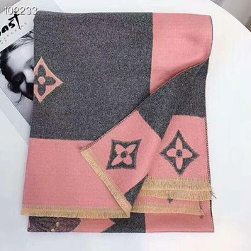 Louis Vuitton LV Fashionable Women Men Cashmere Cape Scarf Scarves Shawl Accessories