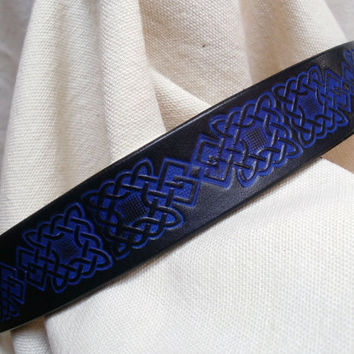 "Dog collar with Celtic design, 1"" wide, blue and black, hand tooled Celtic knots on leather, made to order"