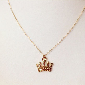 Princess necklace, gold crown necklace, royal jewelry, minimalist necklace, crown jewelry, cute necklace, simple delicate necklace
