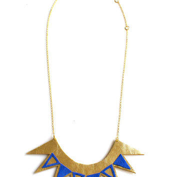 Handmade geometric bib necklace in gold and electric blue leather / N15