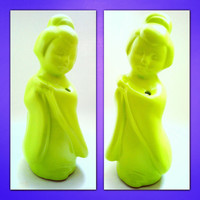 FREE SHIPPING--Oriental Asian Decor-Geisha Lime Green Chartreuse