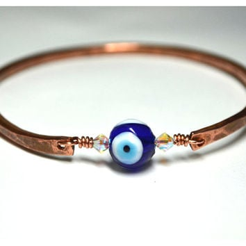 Evil Eye Hammered Copper Bangle Bracelet Lampwork Glass Wire Wrapped Stacking Bangle size Medium natural jewelry bare copper Swarovski