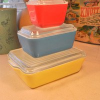6 pc Set of Vintage Pyrex Ovenware Refrigerator Dishes in Primary Colors