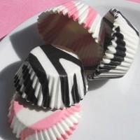 Mini BlackPink Zebra Stripe Cupcake Liners by thebakersconfections