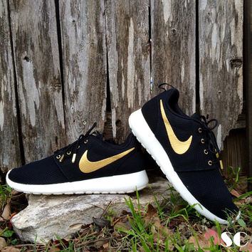 Mens Sz 8-13 Nike Custom Gold OVO Roshe Run