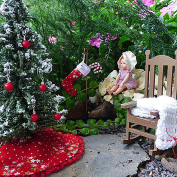 Miniature Decorator Christmas Tree Skirt Dollhouse Fairy Garden Red Floral 1:12 Scale Shadow Box Dolls House Accessory Handmade Holiday Gift