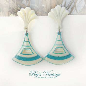 Fun Retro Turquoise And Ivory Color Lucite Earrings/Triangle Lucite Dangle Pierced Earrings