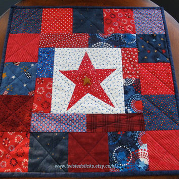 Moms Day Patriotic Table Topper, Patriotic Small Wall Quilt, Americana, Red White and Blue, July 4th