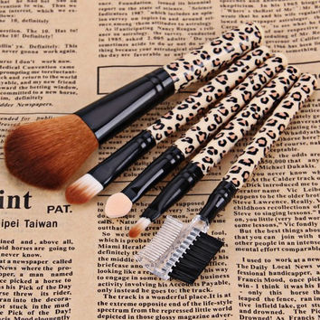 5PCS Professional and Practical Soft Cosmetic Face Brush Powder Brush Sets