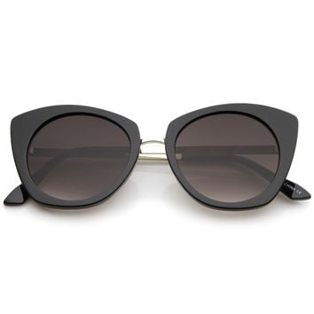 Women's Bold Round Metal Temple Cat Eye Sunglasses A526