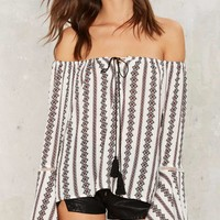 Bare Clause Off-the-Shoulder Top