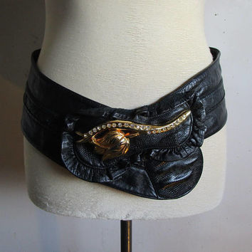 Vintage 1980s Leather Belt Black Cummerbund Gold Rhinestone Rose 80s Ruffle Belt Large Ceinture en Cuir Grande