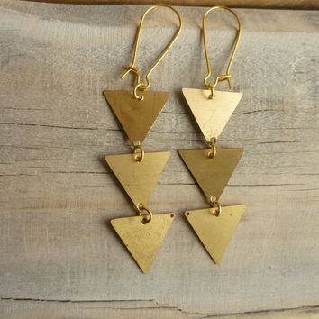 Arrow Triangle Earrings  Geometric Vintage by SilkPurseSowsEar