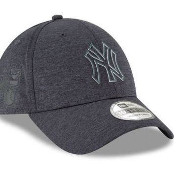 MLB New York Yankees New Era Navy 2018 Clubhouse Collection Classic 39THIRTY Flex Hat