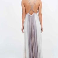Kimchi Blue Stormy Deluxe Maxi in Grey - Urban Outfitters