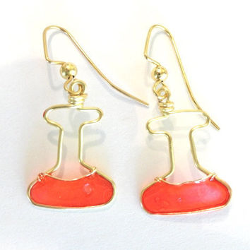 Pink and Gold Erlenmeyer Flask Earrings by nnvillan on Etsy